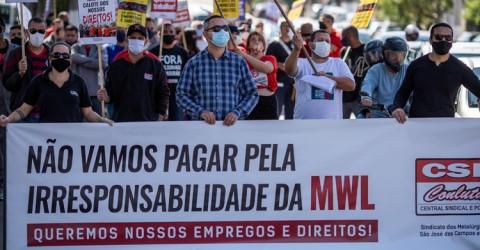 Manifestação dos trabalhadores contra o fechamento da MWL