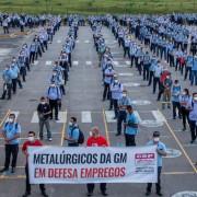 Trabalhadores da GM, do 1° turno, em assembleia sobre layoff