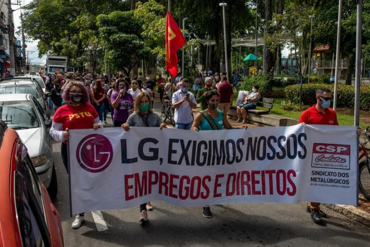 Passeata em Caçapava cobrou iniciativas dos governos, federal, estadual e municipais