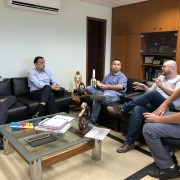 Secretário Alberto Mano, prefeito Felicio, presidente do Sindicato, Weller, e os diretores Alemão e Herbert