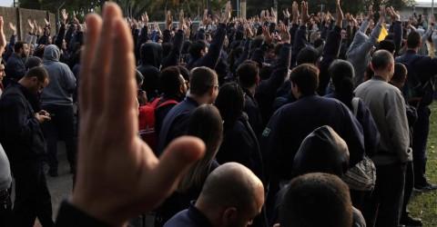 Trabalhadores da Embraer entram em greve