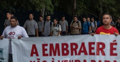 Protesto contra as demissões na Embraer