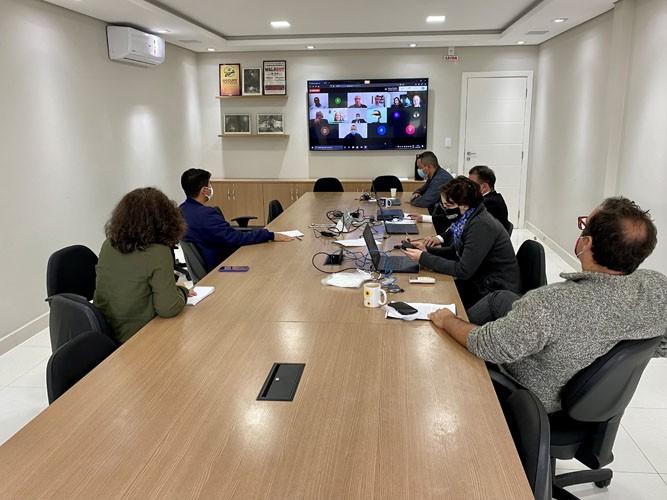 Dirigentes sindicais acompanham audiência virtual
