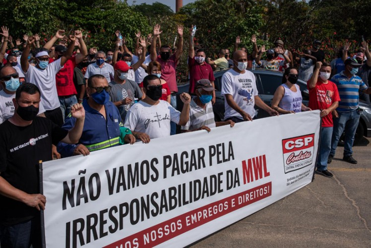 Trabalhadores da MWL votam pela continuidade da greve