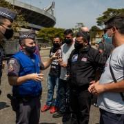 Policiais impedem manifestantes de seguirem para o Palácio dos Bandeirantes