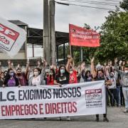 Trabalhadoras da Sun Tech aprovam greve em defesa dos empregos