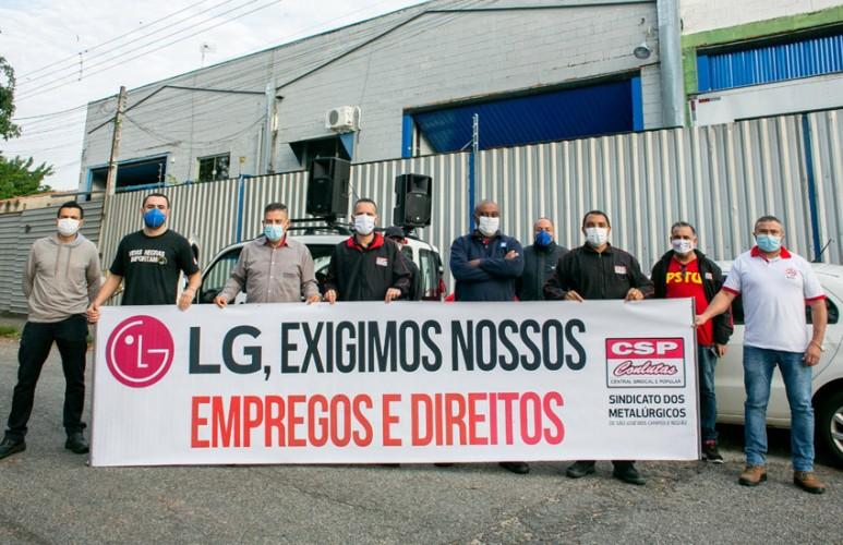 Mobilização em frente a 3C em defesa dos empregos e direitos