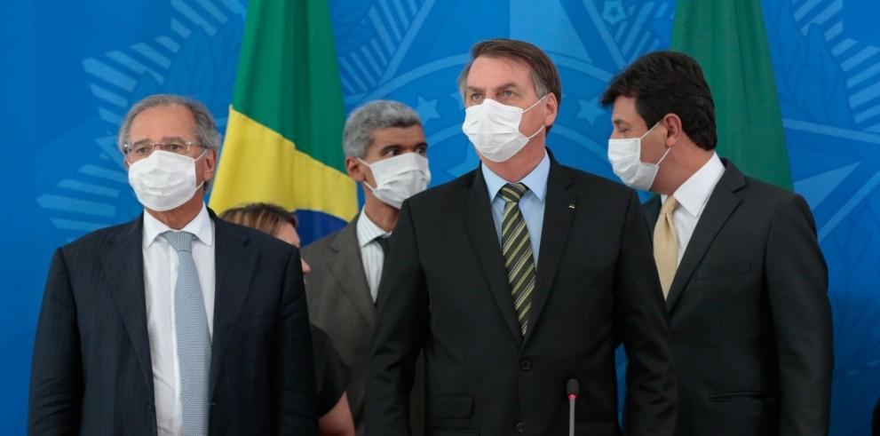 Bolsonaro e Guedes durante entrevista coletiva