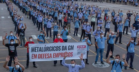 Metalúrgicos da General Motors aprovam layoff com estabilidade no emprego
