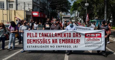 Protesto unifica lutas de trabalhadores da Embraer e Correios