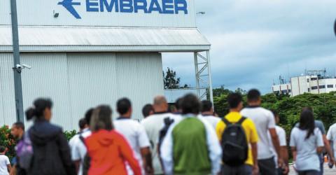 Por irresponsabilidade da Embraer, demitidos estão sem seguro-desemprego