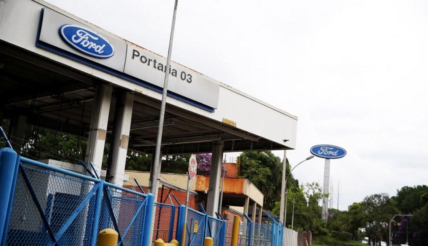 Fachada da Ford em Taubaté