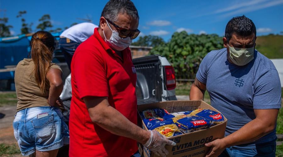 Entrega de alimentos pelo Sindicato, em 2020