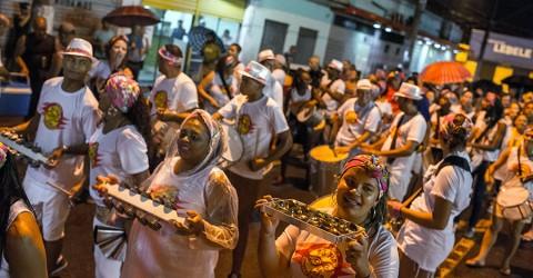 Bloco feminista Sô Fia da Vida desfila nesta sexta-feira em São José