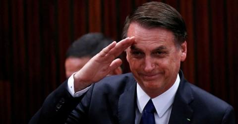 Necropolítica de Bolsonaro menospreza coronavírus e celebra Golpe de 1964
