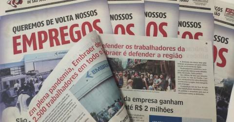 Sindicato distribui jornal contra demissões na Embraer para população
