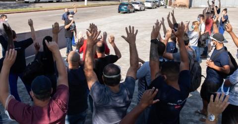 Trabalhadores da Eaton rejeitam proposta e seguem luta por PLR maior