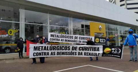 Greve dos metalúrgicos da Renault completa duas semanas