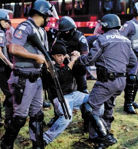 Motion to Repudiate Police Crackdown on Embraer Strikers | Sindicato dos Metalúrgicos de São José dos Campos e Região