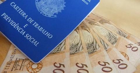 Governo Bolsonaro propõe reajuste do salário mínimo sem aumento real