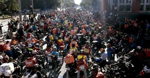 Com greve nacional, entregadores denunciam precarização do trabalho