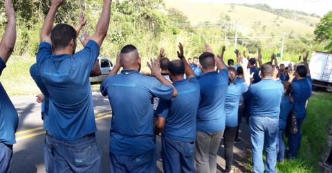Por salário e direitos, greve na Wirex Cable chega ao terceiro dia