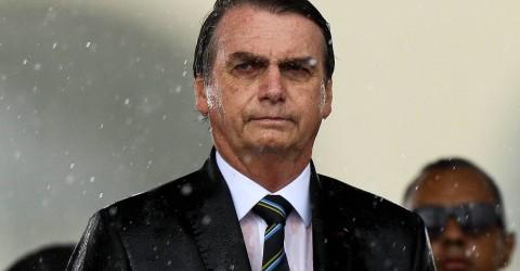 Quase metade dos brasileiros reprova atuação de Bolsonaro na Presidência