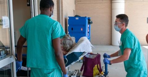 Bolsonaro impede indenização a profissionais da saúde vítimas da covid-19