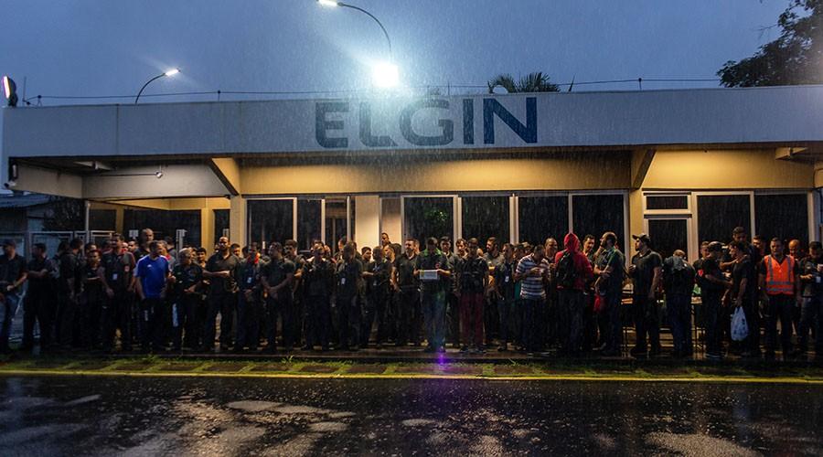 Trabalhadores da Elgin em assembleia