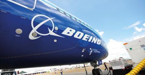 Boeing quer 90% do controle da aviação comercial da Embraer