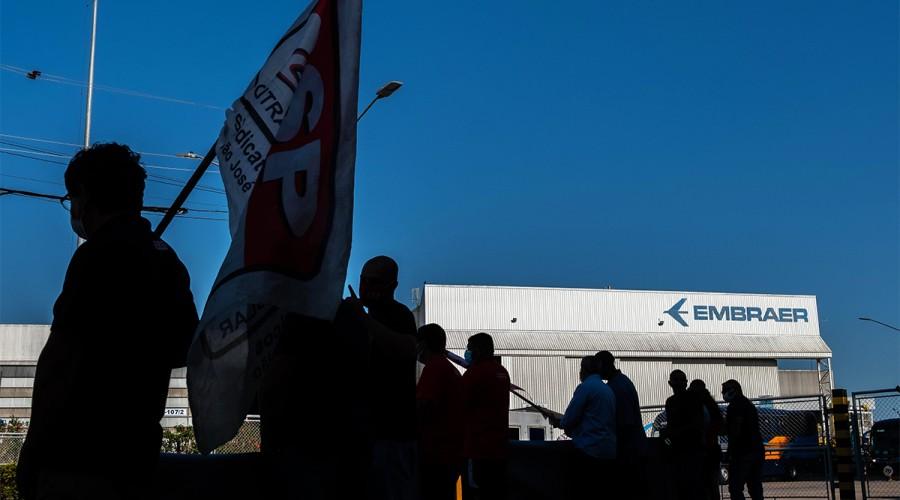 Luta contra as demissões na Embraer