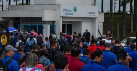 Sem negociar e em plena pandemia, JC Hitachi faz demissões