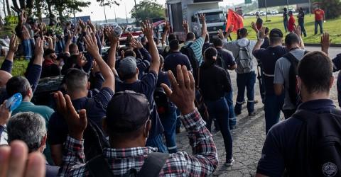 Após greve, metalúrgicos da JC Hitachi conquistam   R$ 9.800 de PLR e abono salarial