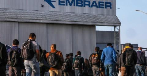 Embraer propõe layoff e redução de salário aos trabalhadores