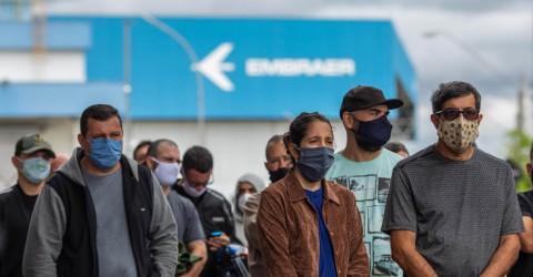 Na luta em defesa dos empregos, demitidos da Embraer buscam apoio de candidatos à Prefeitura