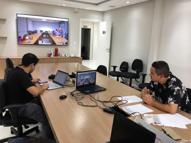 Videoconferência entre o Sindicato e a Embraer