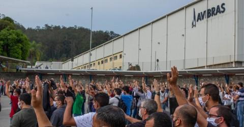 Vitória: metalúrgicos da Avibras e Retin conquistam renovação de direitos e aumento real
