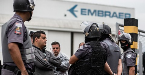 Sao Paulo State Military Police (PMSP) attacked the picket line forcing the strike at Embraer to be suspended