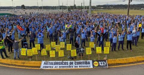 Contra demissões, metalúrgicos da Renault entram no 7º dia de greve no Paraná