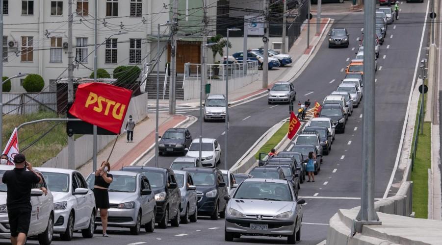Carreata chega à Ponte Estaiada