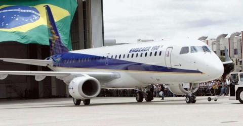 No mesmo período da demissão em massa, Embraer registra aumento nas entregas de aviões