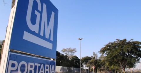 Metalúrgicos da General Motors votam PDV e extensão de layoff