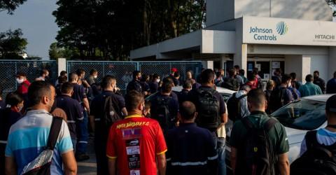 Sindicato anula na Justiça demissão em massa na Johnson Controls Hitachi