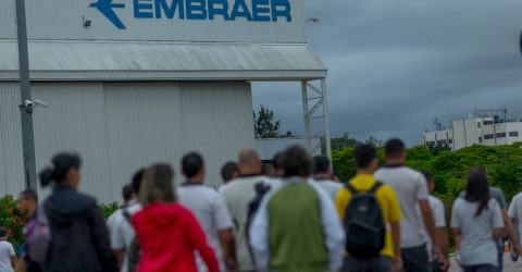Metalworker Union defends that the Federal government veto the  Embraer sales plans