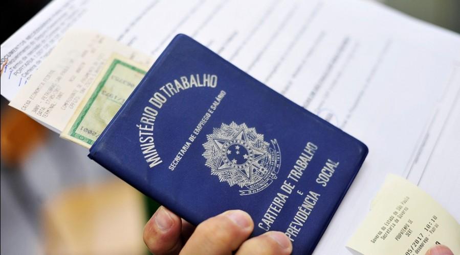 Bolsonaro alterou leis do trabalho na pandemia